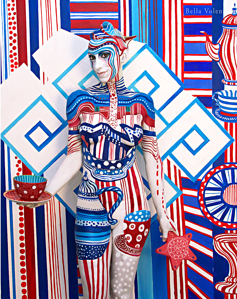 bodypainting red, blue, white