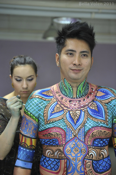 Body painting on a Thail comedian actor, ภาพวาดร่างกาย